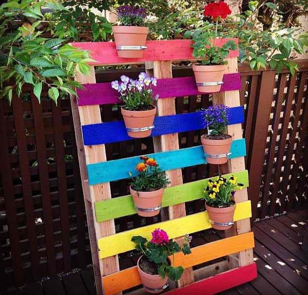 Pallet Projects for your Spring Garden